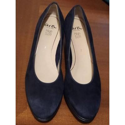 Ara Shoes i decoltè in pelle scamosciata nera con tacco Italianfashionglam