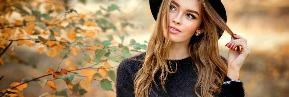 Coloratissima collezione griffata di maglioni donna,dalla confezione al design ogni fase per garantire uno stile fashion,eleganti,casual,di tendenza,realizzati con pregiate lane,cotoni,e sete in tanti colori e taglie.