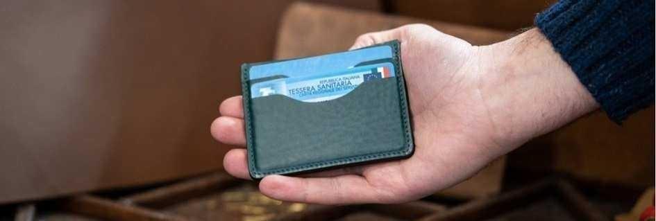 I porta carte di credito da uomo in vera pelle