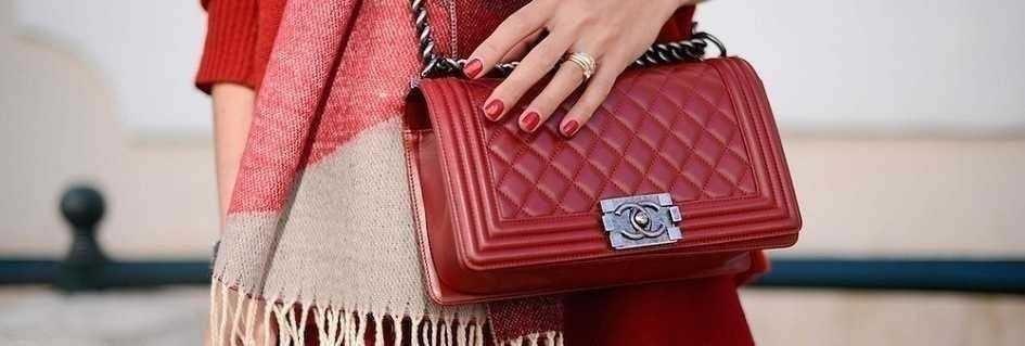Le borse a tracolla da donna artigianali in pelle